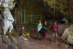 Thumbnail artikel blog berjudul Trio PEKOK Nyepeda ke Gua Lawa