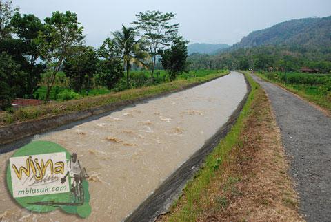 Palang kendaraan di desa Boro, Kalibawang, Kulon Progo