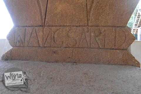 tata cara menulis nama jenazah di nisan-nisan tua zaman dulu yang ada di pemakaman umum angker di kecamatan galur kulon progo jogja