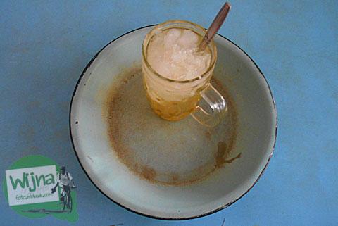 Es Jeruk nikmat dan segar andalan Rumah Makan Nasi Merah Pari Gogo di Semanu Gunungkidul