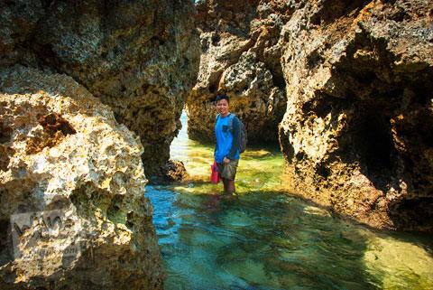 Ombak besar di Pantai Drini, Gunungkidul