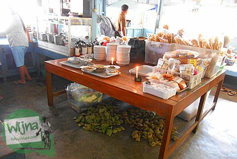 Suasana di dalam rumah makan Nasi Merah Pari Gogo di Semanu Gunungkidul