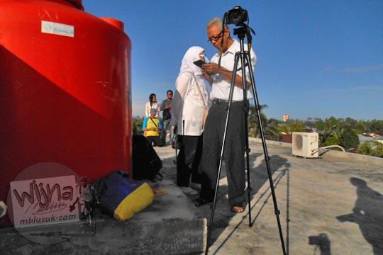 Bapak memotret Gerhana Matahari Total di Belitung di tahun 2016