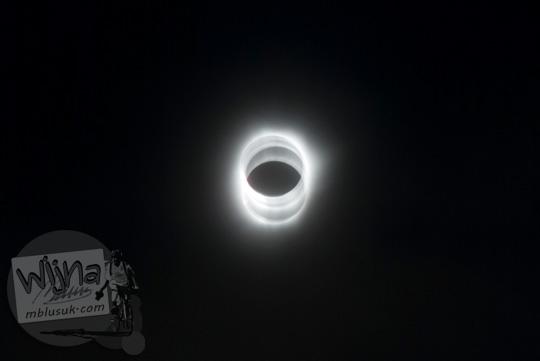 Foto camera shake saat Gerhana Matahari Total di Belitung di tahun 2016