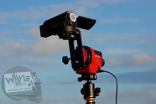 Foto Handycam dengan mout telescope untuk merekam Gerhana Matahari Total di Belitung di tahun 2016