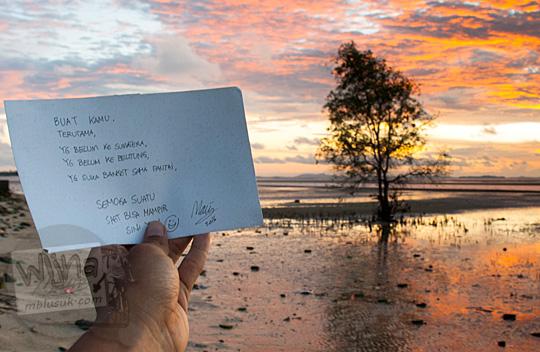 Kertas Pesan pengunjung Pantai Tanjung Pendam Belitung di tahun 2016