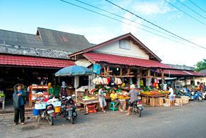 Jalan-Jalan Pagi ke Pasar Tanjung Pandan