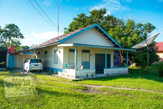 Salah satu contoh wujud rumah orang kaya raya di Kota Tanjung Pandan, Belitung pada tahun 2016