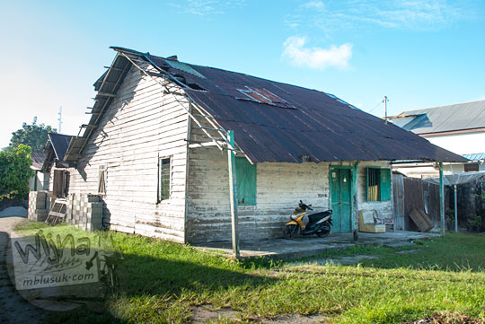 Salah satu contoh wujud rumah orang miskin melarat di Kota Tanjung Pandan, Belitung pada tahun 2016