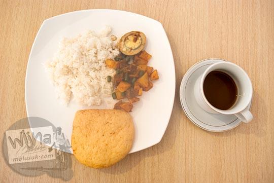 Sarapan menu tradisional di hotel khas tanjung pandan, Belitung