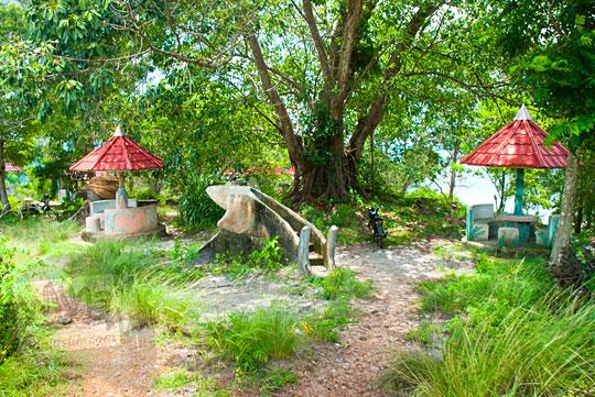 rest area di dekat Pantai Nyiur Melambai di Belitung Timur yang sering dipakai sebagai tempat memadu kasih, pacaran, seks bebas, dan minum alkohol pada Maret 2016