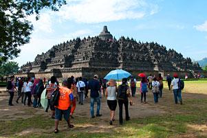 Thumbnail untuk artikel blog berjudul Cara Melestarikan Candi Borobudur dan Hal Lain Dibaliknya