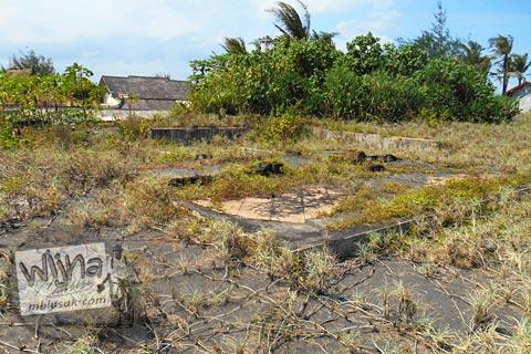 Sisa-sisa pesanggrahan Paku Alam V di Pantai Trisik, kecamatan Galur, Kulon Progo di tahun 2015