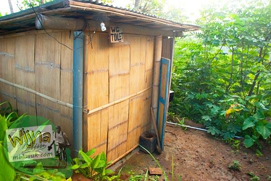 fasilitas toilet wc umum dan mushalla yang ada di Punthuk Gupakan, Magelang dekat Candi Borobudur