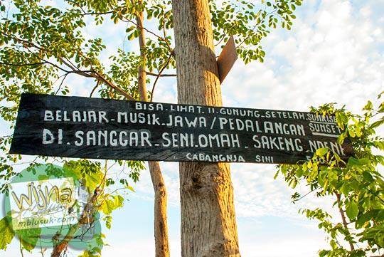 papan promosi keindahan panorama alam Punthuk Gupakan di Desa Giritengah, Borobudur, Magelang, Jawa Tengah