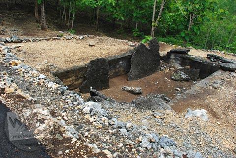 bekas kolam penampungan air di kawasan Gua Jepang Pundong, Bantul pada Desember 2015