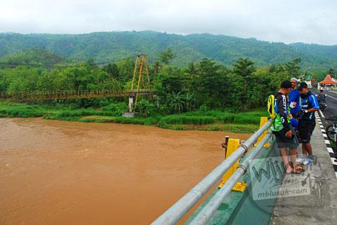 Posisi jembatan lama Pundong dengan jembatan baru pada Desember 2015