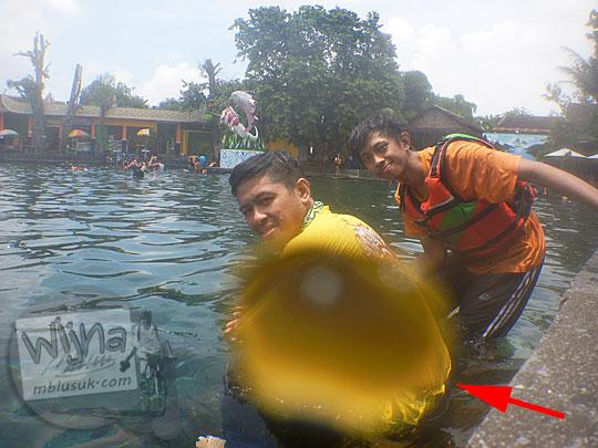 Hal-hal yang perlu diperhatikan saat memotret di dalam air memakai kamera underwater di Umbul Ponggok, Klaten, Jawa Tengah