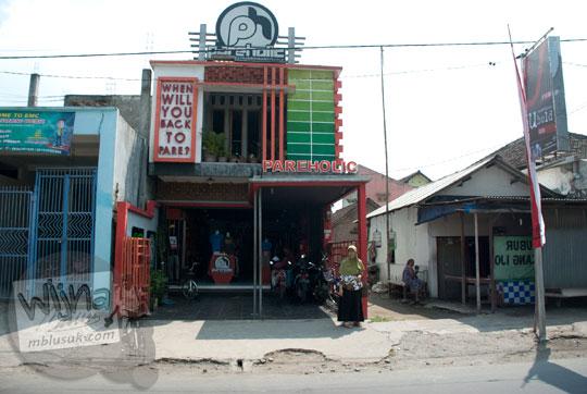 lokasi bangunan toko distro kaos pareholic di Kampung Inggris Pare Kediri Jawa Timur