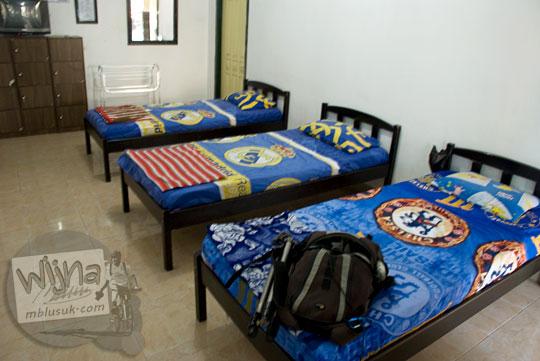 penampakan kamar tidur homestay penginapan keluarga alfil di Kampung Inggris Pare Kediri Jawa Timur