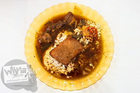 ulasan review rasa nasi rawon khas rumah makan Depot Anda, Mojokerto, Jawa Timur pada September 2016