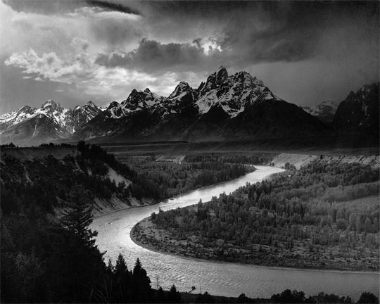 Foto legendaris terkenal mahal fotografer Amerika Ansel Adams berjudul The Tetons and the Snake River (1942)