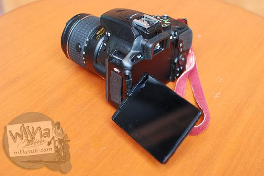 Review harga tarif servis layar swivel Nikon D5500 di service center Alta Nikindo Mangga Dua dan Nikon Indonesia BNI46