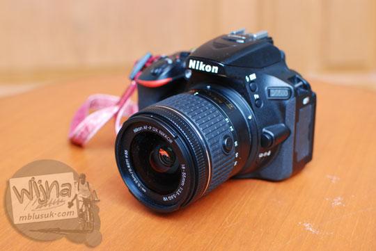 Harga Jual DSLR Pemula Nikon D5500 Kit dengan lensa AF-P 18-55 DX VR di Indonesia garansi Alta Nikindo dan Nikon Indonesia