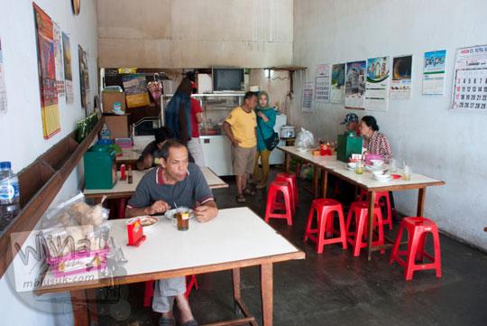 Suasana warung sop senerek Pak Parto di cabang Jalan Majapahit, Kota Magelang