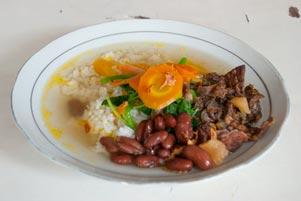 Thumbnail untuk artikel blog berjudul Makan Siang dengan Sop Senerek Pak Parto