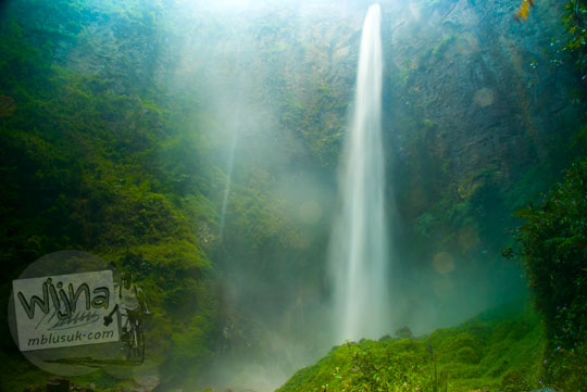 Foto Air Terjun Sipiso-Piso