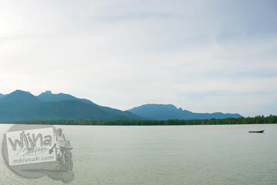 Pemandangan laut Pulau Lingga di Kepulauan Riau pada tahun 2016