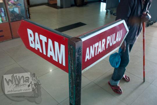Petunjuk keberangkatan kapal ke Batam dan antar pulau di Pelabuhan Sri Bintan Pura, Tanjungpinang