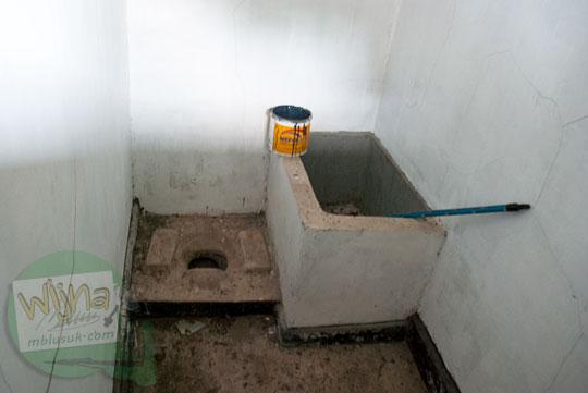 Isi dalam sel penjara belanda yang angker dan berhantu di Daik, ibukota Kabupaten Lingga, Kepulauan Riau pada Mei 2016