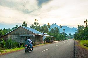 Sore-Sore Keliling Kota Daik di Pulau Lingga