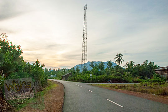 Suasana Sepi saat sore hari di Daik, ibukota Kabupaten Lingga, Kepulauan Riau pada Mei 2016