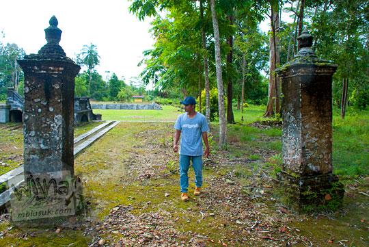 cerita sejarah bekas gapura di kawasan Istana Damnah Kesultanan Lingga tahun 2016