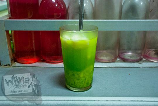 lezatnya es tape pleret khas racikan Depot Es Semanggi di Magelang tahun 2016