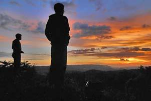 Mengejar Senja di Bukit Mangunan