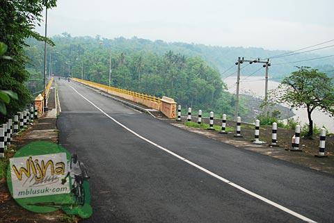 pemandangan jembatan kreo penghubung kebonagung dan dekso di zaman dulu