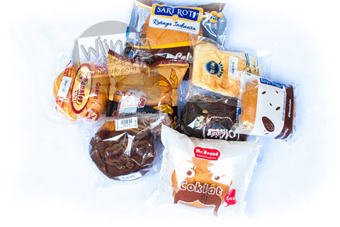 review 8 roti cokelat harga murah yang banyak dijual di minimarket jogja pada tahun 2016