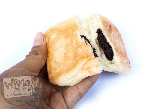 lokasi minimarket di yogyakarta yang jual roti cokelat larisa harga murah