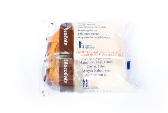 kemasan plastik belakang roti cokelat bayu bagus pada tahun 2016