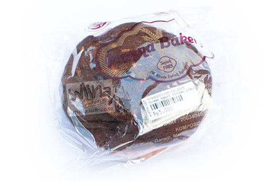 kemasan plastik roti cokelat manna bakery yogyakarta pada tahun 2016