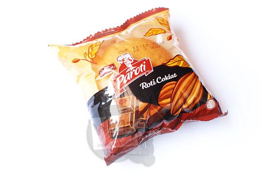tampilan kemasan plastik muka roti cokelat paroti yang khusus dijual di alfamart dan alfamidi