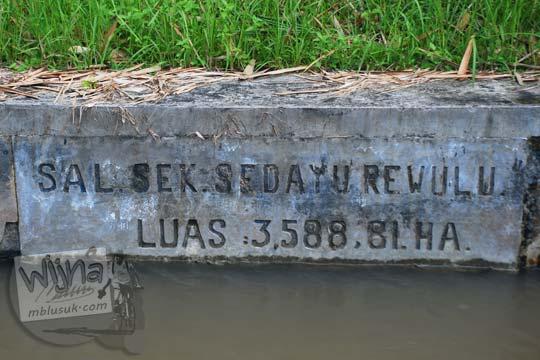 Cabang saluran sekunder Sedayu Rewulu Selokan Van Der Wijck, Yogyakarta di tahun 2016