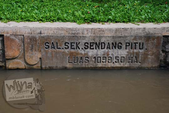 Pemandangan saluran sekunder Sendang Pitu pada Selokan Van Der Wijck, Yogyakarta di tahun 2016