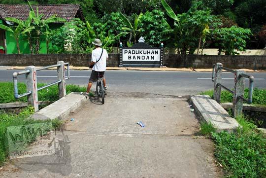 Tugu Dukuh Bandan di Jalan Kebonagung, Minggir di tahun 2016