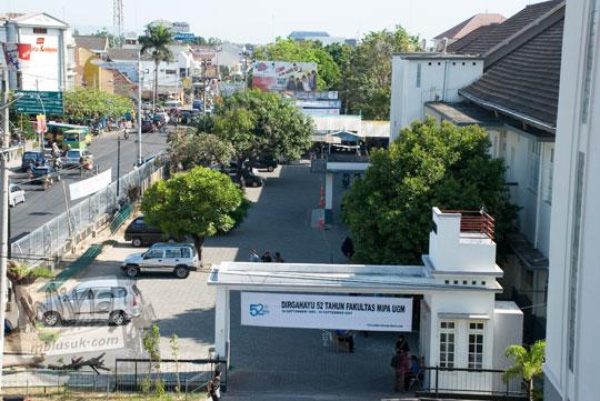 Pemandangan Kampus FMIPA Selatan UGM di tahun 2007