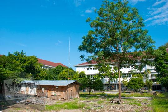 Lahan kosong yang akan dibangun di dekat di gedung baru Kampus FMIPA Utara UGM di tahun 2016
